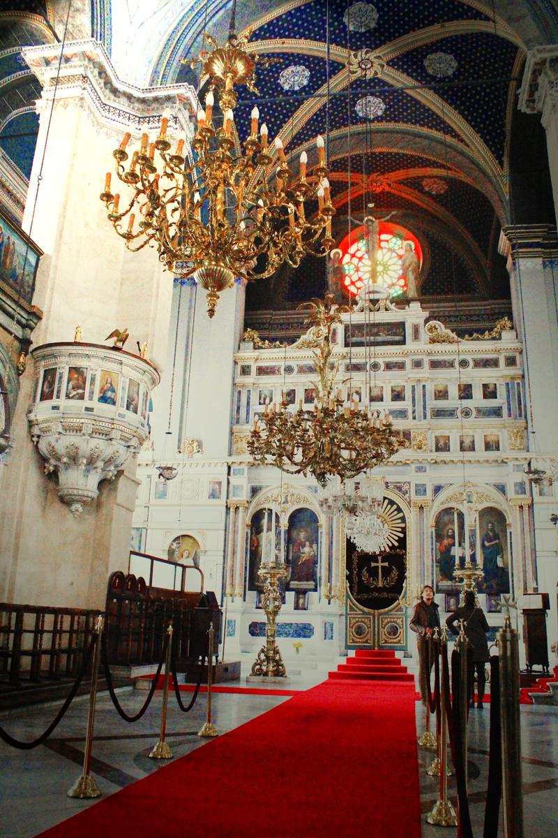 Istanbul - Inside church