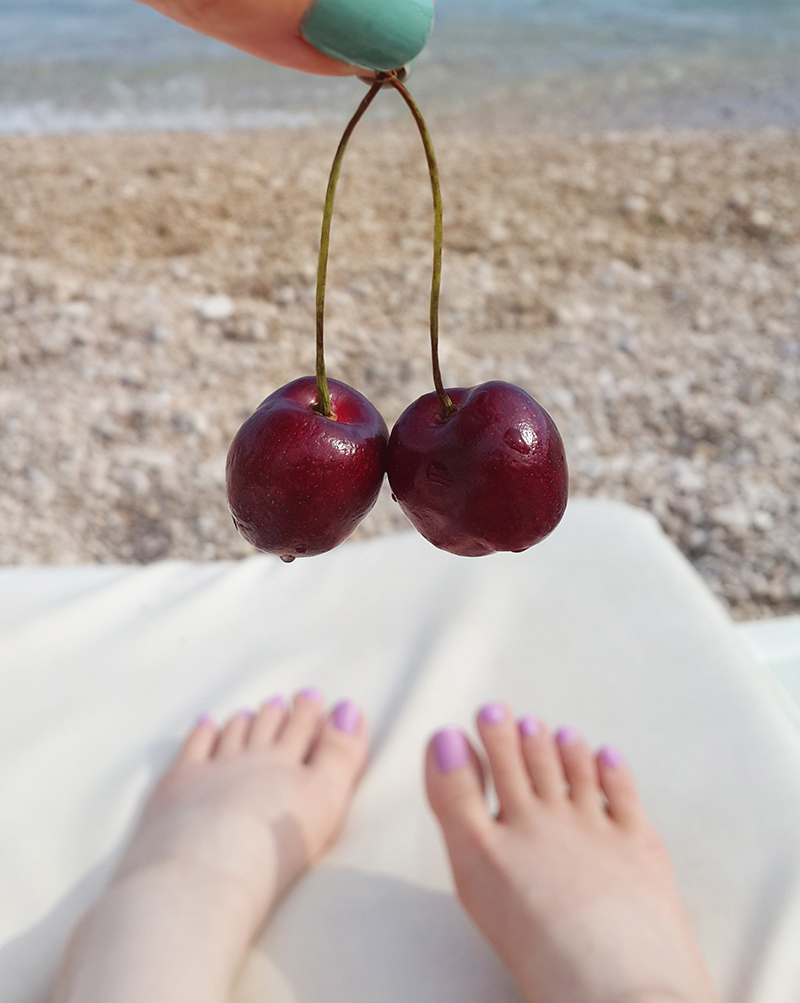 Tanning in Dubrovnik - Cherry