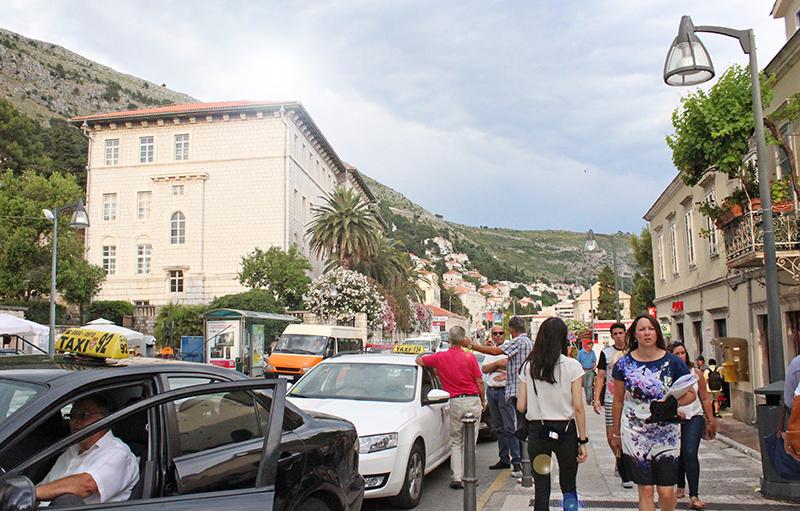 Tanning in Dubrovnik - Street