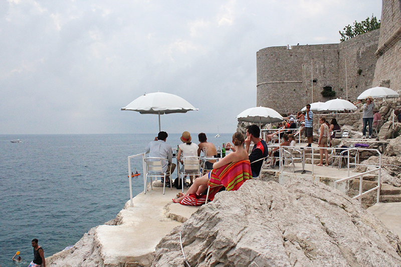 Tanning in Dubrovnik - Buza Bar 5