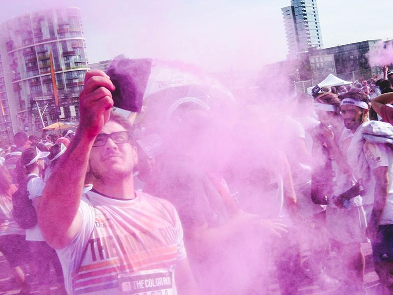 Colour Run London - Powder throwing