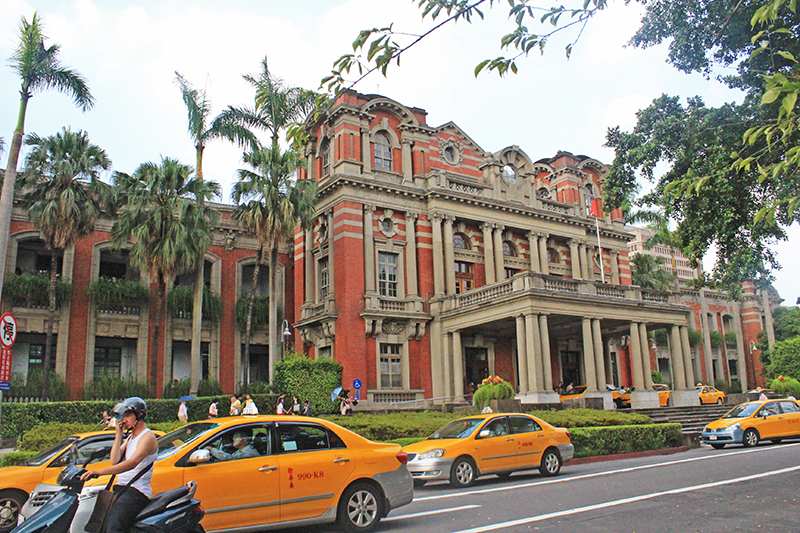 Living in Taipei City, Taiwan - Street of Taipei 2